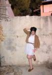 ג'קט זמש חום מH&M, שמלה לבנה מטופשופ, חגורה חומה קלועה משש, מוקסינים מאורבן אאוטפיטרס